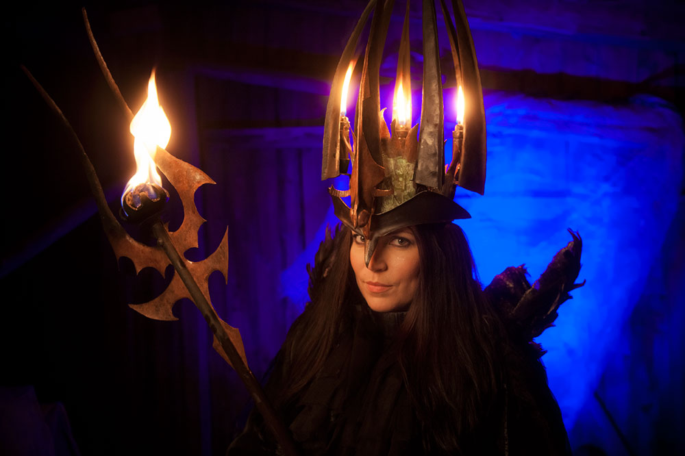 Midvinterglöd 2012: Katarina Borbos gestaltade Lucia i folktron Koncept: Skulls & Bones Artwork Fotograf: Joakim Brolin