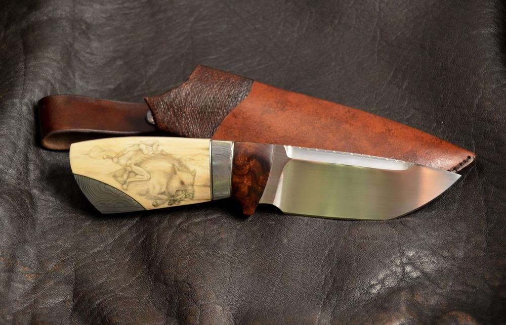 Kniv skapad av Michael Almqvist.www.carlmichael.info