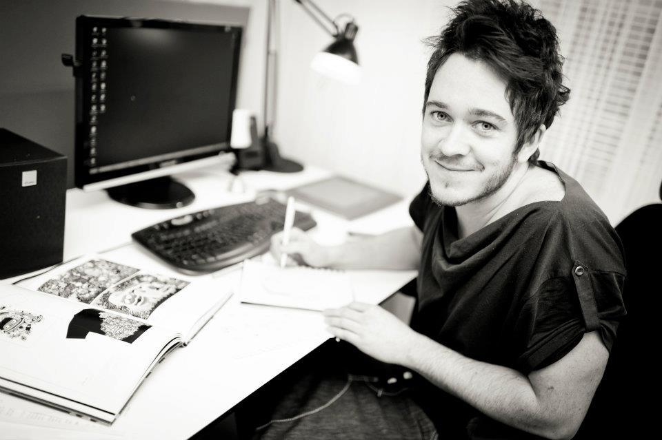 Anton Jacobson, grafisk designer bakom Midvinterglöds fina grafik!