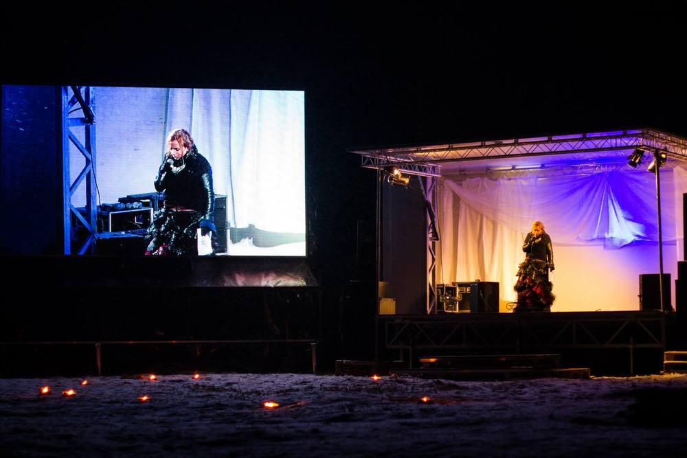 Scen, storbildsskärm och live-filmning av det som hände under Midvinterglöd möjliggjordes tack vare vårt fina samarbete med Pro-Stage från Sundsvall. www.pro-stage.se . Foto: Daniel Funseth
