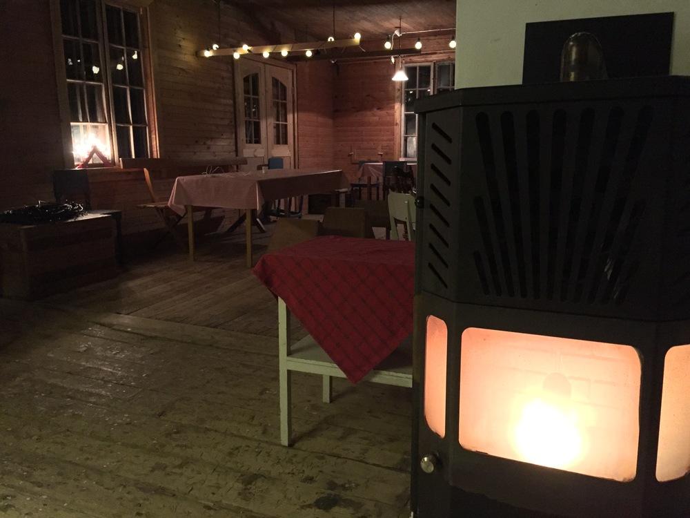 Å-kvarnen i Jättendal som ägs av familjen Klas-Göran Engberg. I Å-kvarnen kommer det att serveras mat till försäljning, säljas mjöl och honung och våra folkmusiker kommer uppträda där.