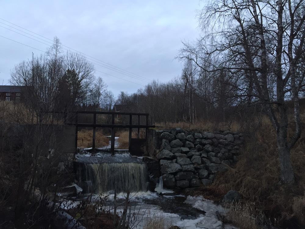 Vackra miljöer utanför Å-kvarnen i Jättendal. www.akvarn.se