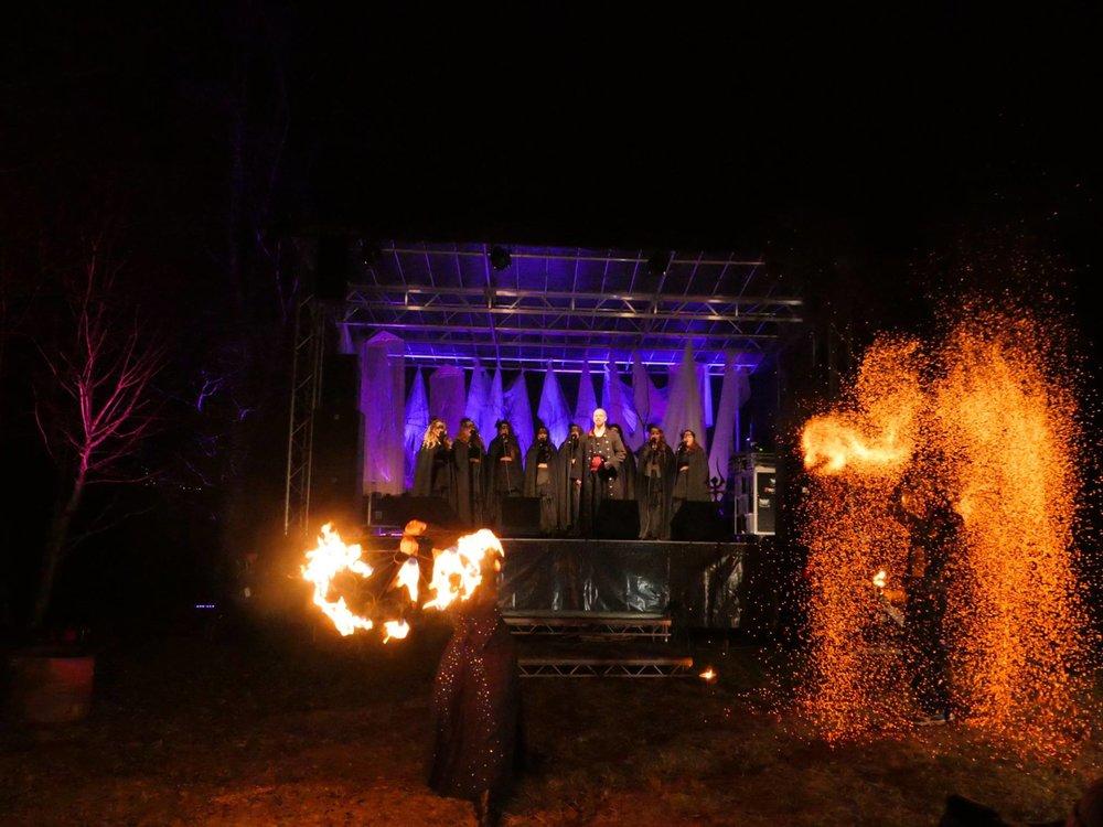 Midvinterglöd 2015 - Fjäderfall. Lucia i folktron show som avslutade glöden då. Foto: Niklas Carlsson