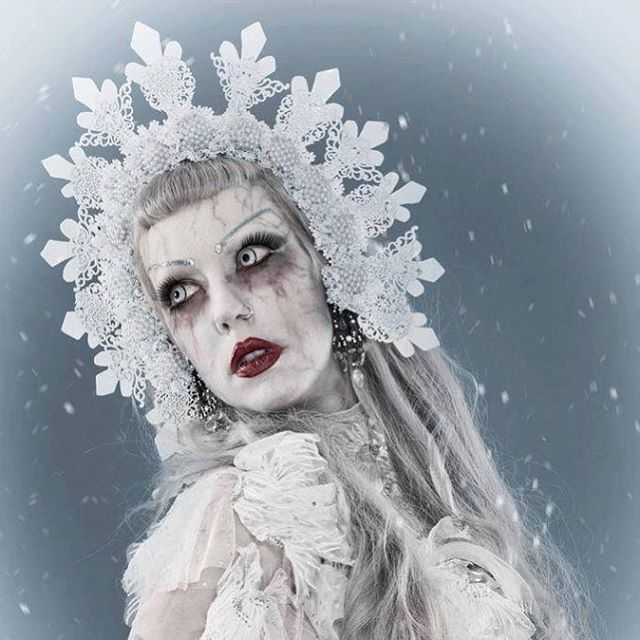 Adora BatBrat - Queen of alternative expressions and goth visiting Midvinterglöd December 10! ☠️🔥🎅🏻 @adora_batbrat will be one of the jury members for our mask and makeup contest and we will also put Adora in the red-hot chair and interview her live on stage! 😱  We welcome Adora BatBrat to Midvinterglöd our midwinter solstice festival!  #adorabatbrat #midvinterglöd #makeup #makeupartist #makeupaddict #goth #gothqueen #midvinter #solsticecelebration #alternativemodel #jättendal #hälsingland #nordanstig #model #subculture #subkultur #sweden #sverige #smink #tävling