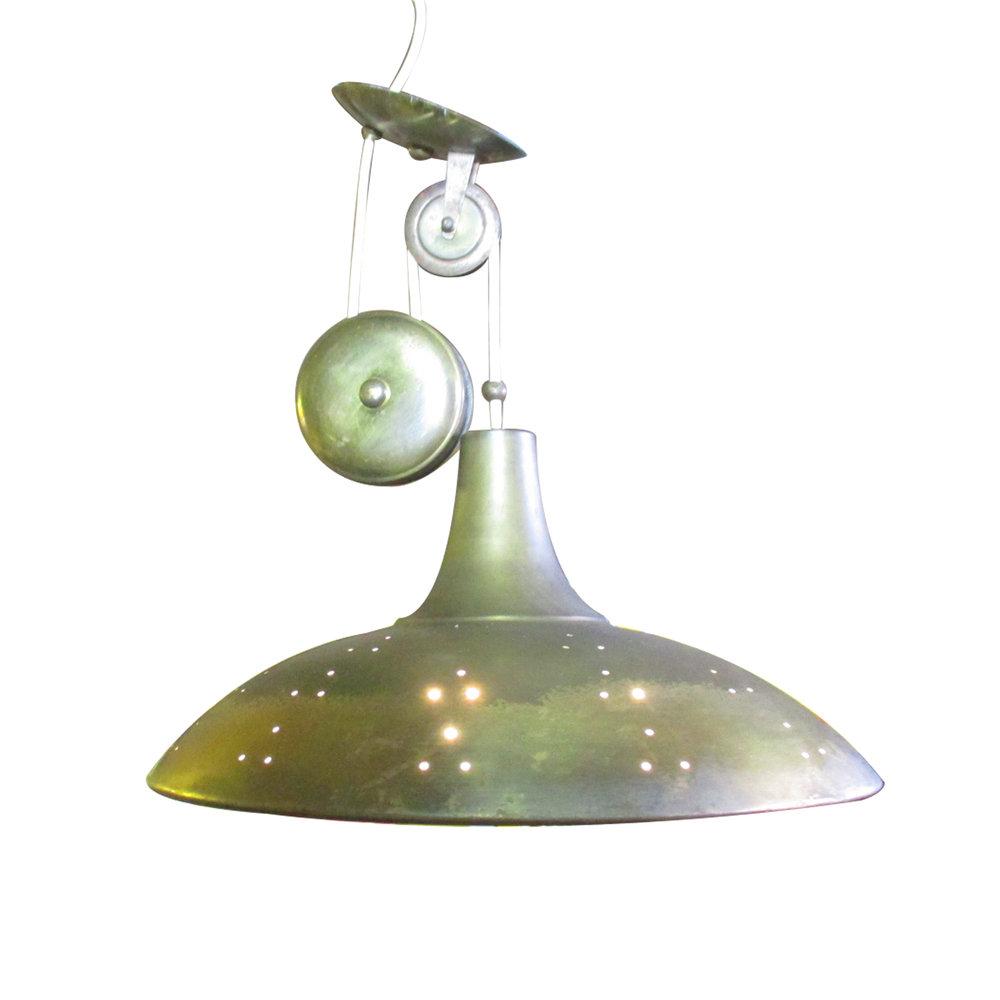 Lámpara de techo de Pavo Tynell. 50's. Elaborada en latón y pantalla interior de cristal opaco.