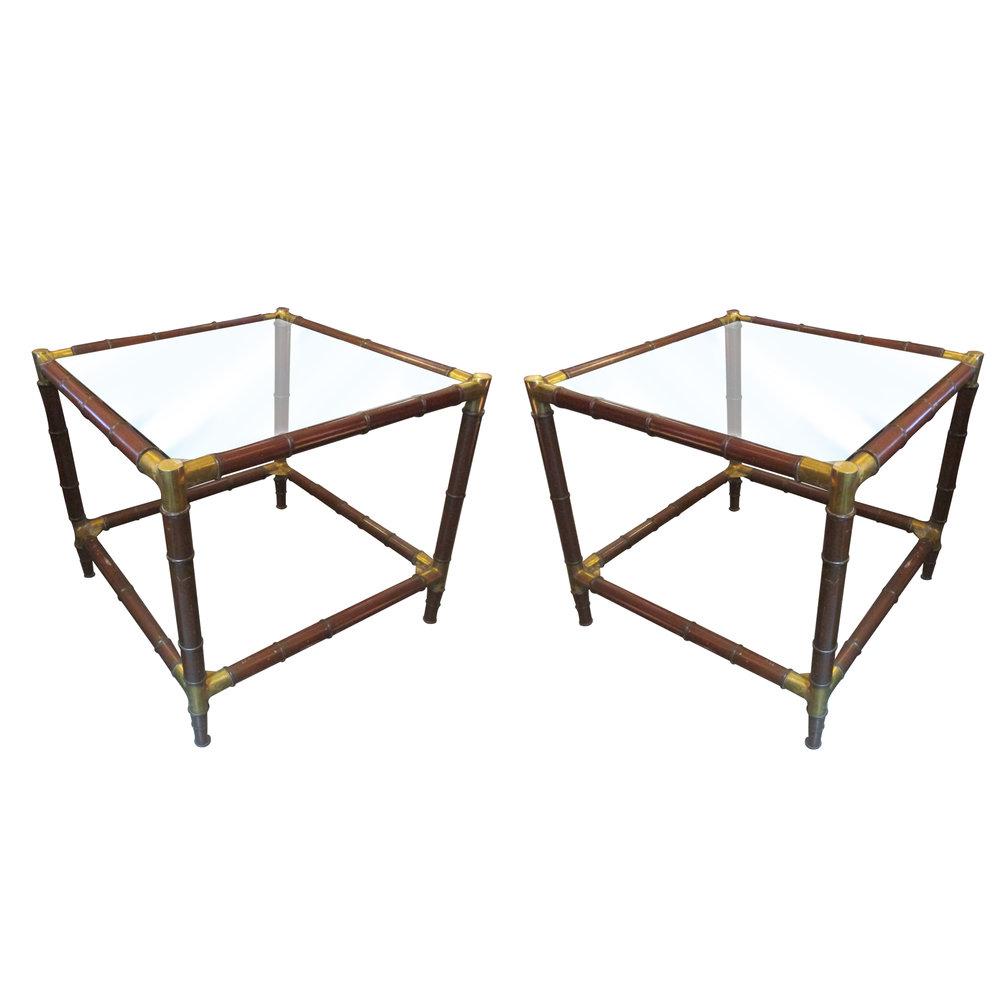 Mesas laterales de Arturo Pani. Elaboradas en madera con diseño de bambú y aplicaciones de latón.