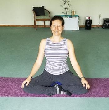 Nina-yogi-3crop.jpg