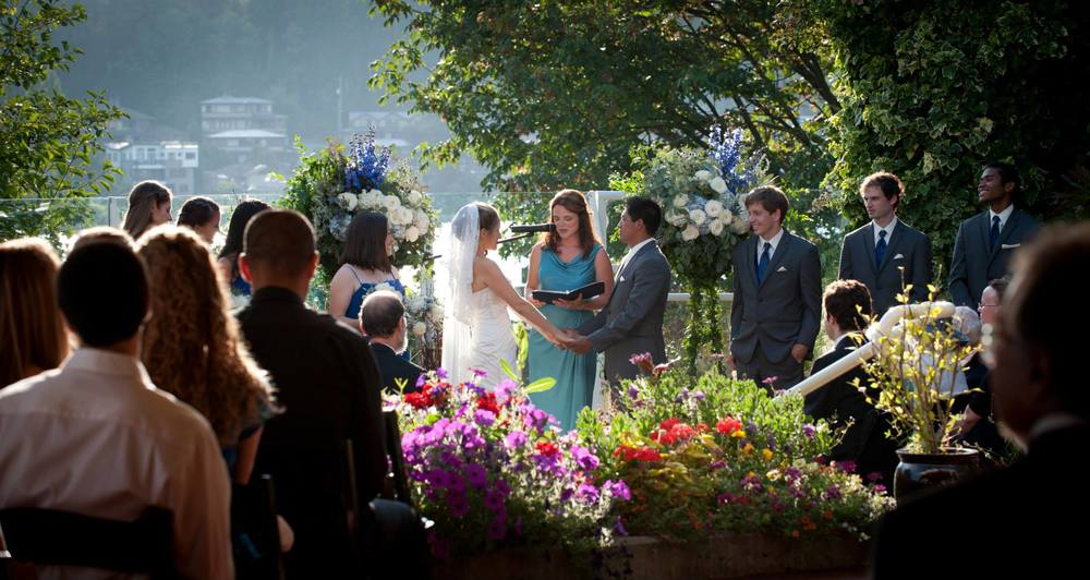 Summertime wedding at the Canal captured by Rick Takagi photography
