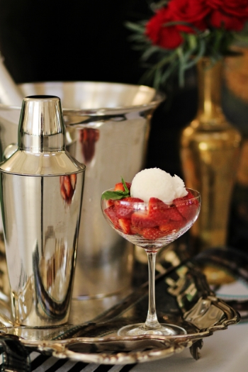 Reinvented 'Champagne & Strawberries' with sweet strawberries and heavenly Champagne sorbet | Hannah Marie Photography