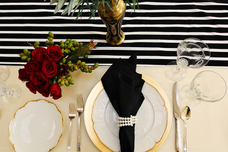 Gold, black and ivory with pops of red create a refined and stylish ambiance for your Oscars party | Hannah Marie Photography