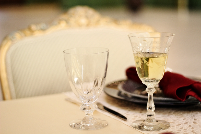 Exquisite and classic details resound with any Oscars themed party | Hannah Marie Photography