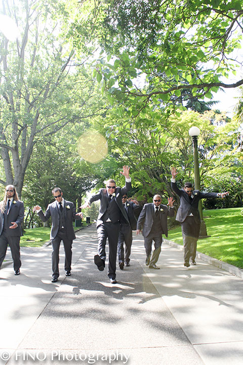 groom and groomsmen seattle wedding