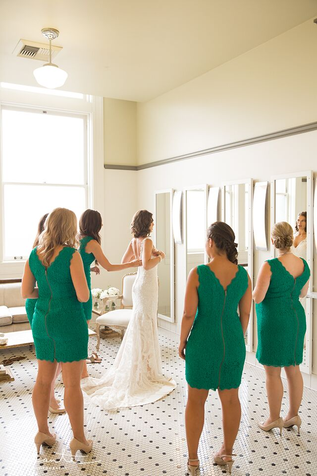 Emerald bridesmaids at the Great Hall