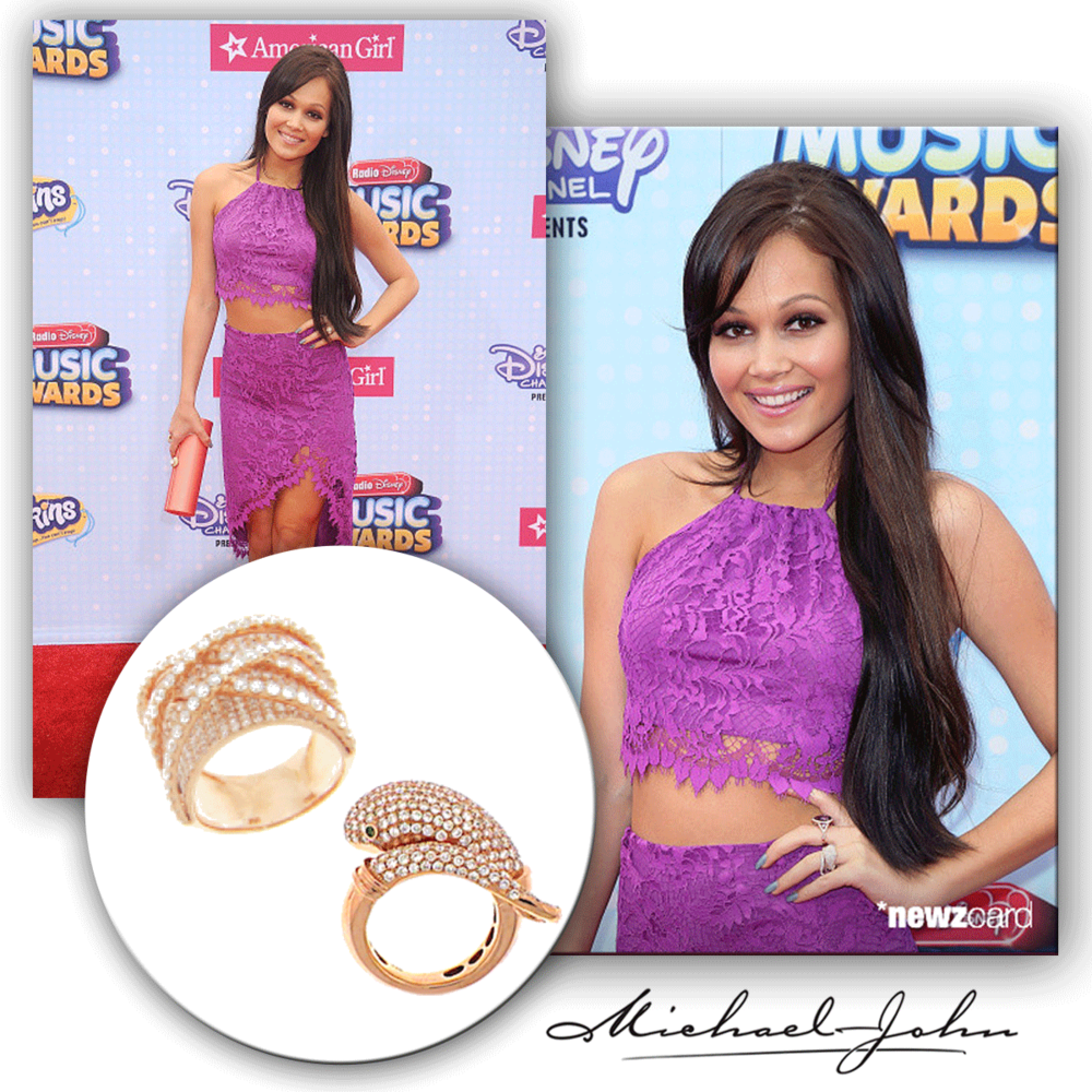 With a smile so perfect, nobody can take their eyes off Kelli Berglund in her pretty purple lace and matching Michael John Jewelry rose gold + diamond rings!