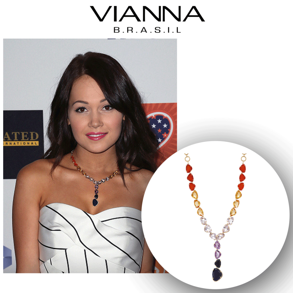 No one makes a statement like Kelli Berglund! How beautiful is she in this ever-so-bright and beautiful VIANNA B.R.A.S.I.L.multicolored gemstone statement necklace?