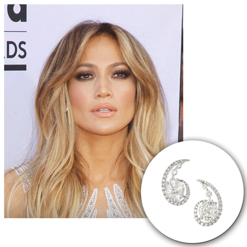 We can't take our eyes off this beauty queen! J-Lo looks absolutely flawless in these Supreme Jewelry white gold and diamond paisley studs.