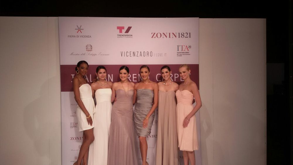 Bravo to these beautiful models who made the Italian Trend Carpet as glamorous as possible!
