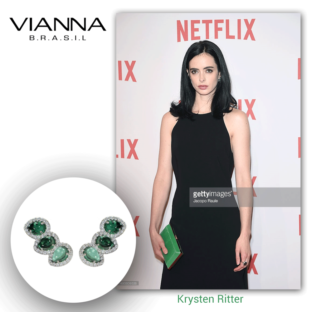 So flawless, so perfect. Krysten Ritter looks glamorous in these white gold and diamond ear climbers by VIANNA BRASIL.