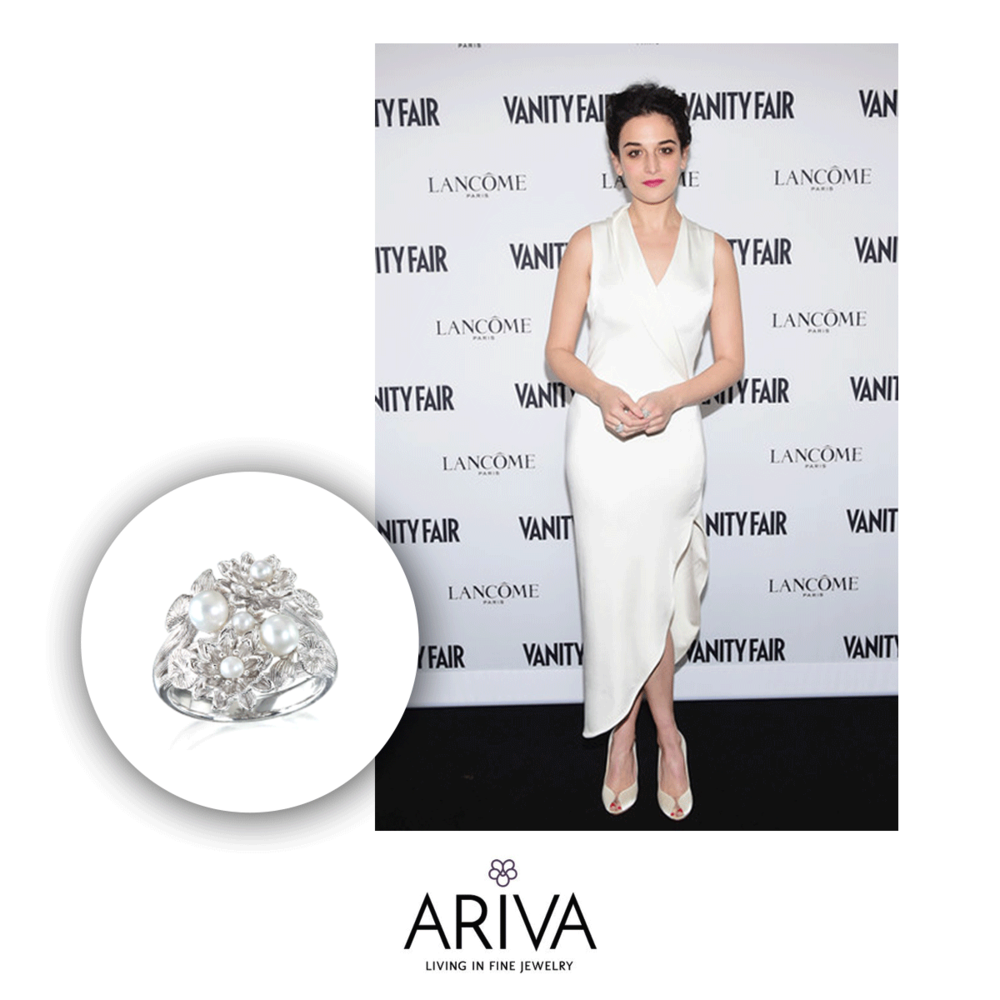 Jenny Slate couldn't look more classy! She's wearing Ariva.