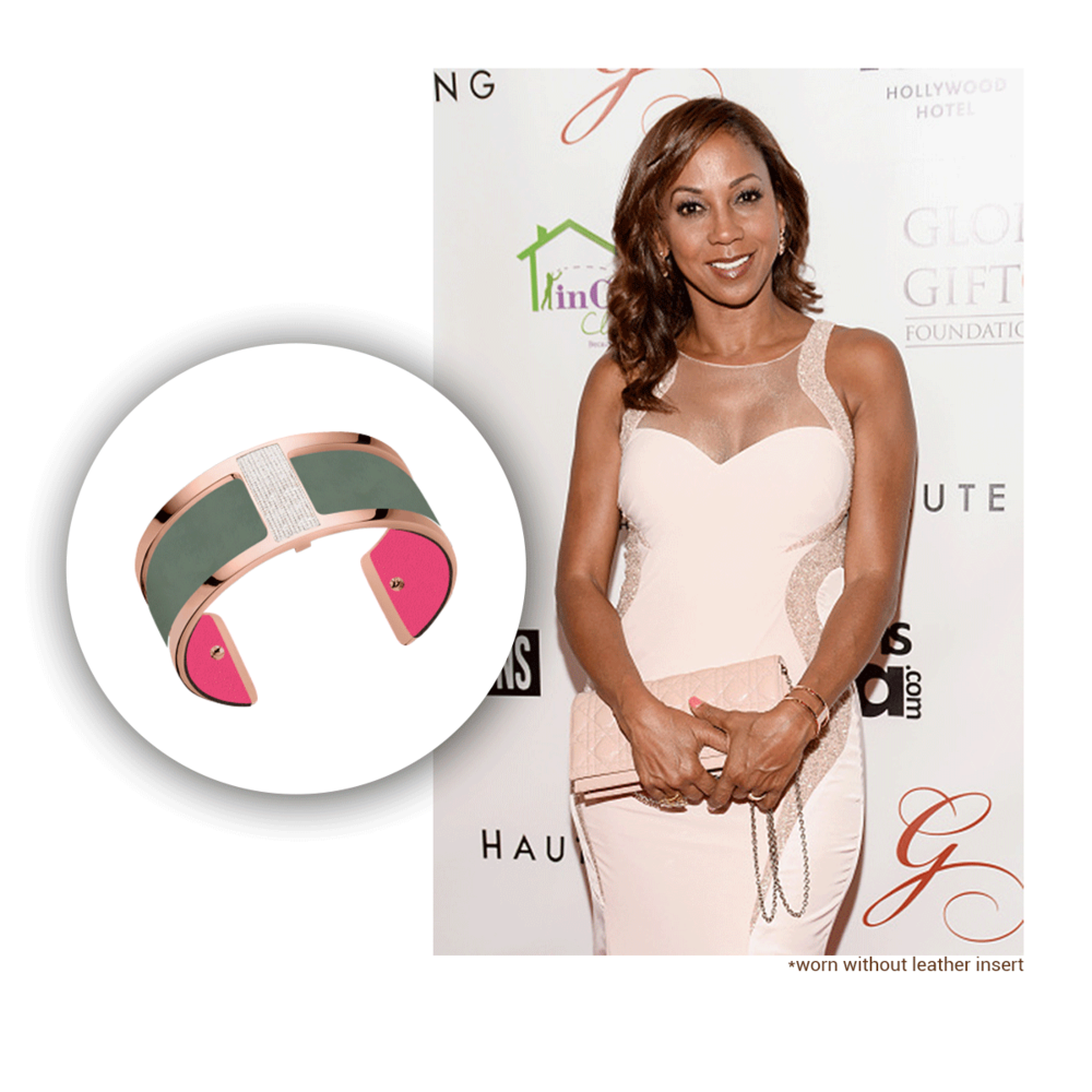 To keep her pink look for the weekend, Holly was spotted wearing this Les Georgettes cuff from their Les Précieuses collection at the Global Gift Awards this past weekend!