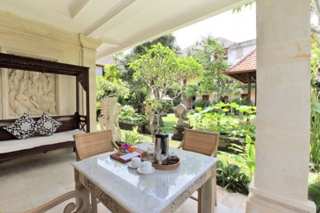 sarah room at honeymoon guesthouse ubud.jpg