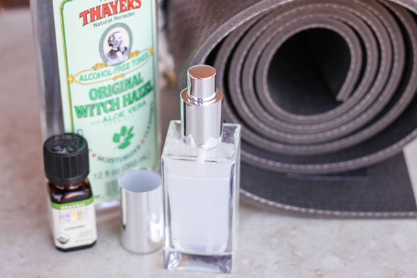 Fitnessista DIY Yoga Mat Spray