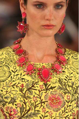 Le bijoux Spring 2014.png