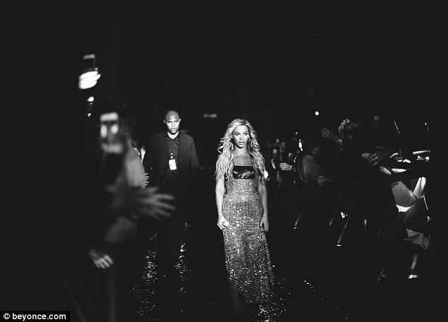 beyonce-on-the-run-tour-costumes-3.jpg