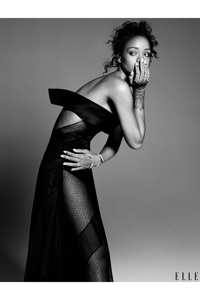 elle-08-cover-break-rihanna-v-xln.jpg