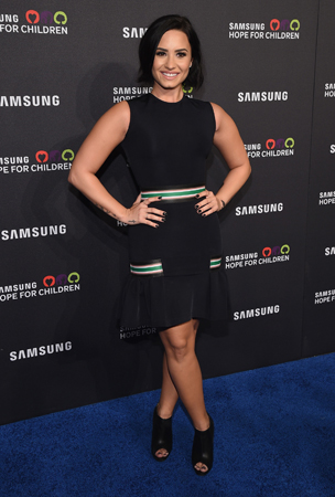 Demi Lovato   kept it sweet and simple for the Samsung Hope For Children Gala, and proved to us you can never go wrong with an LBD.