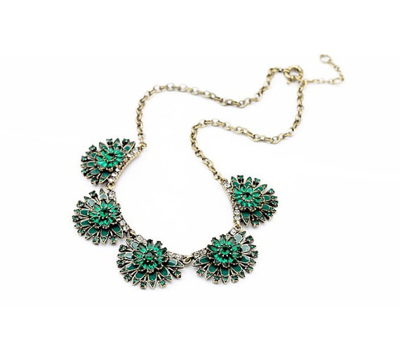 Fan Emerald Green jeweled crystal statement necklace $ 11.00 USD