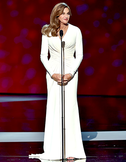 ESPYS Diva  The rockstar athlete stunned onstage in a white, long-sleeved Versace dress at the annual ESPYS on July 15, 2015, where she accepted the Arthur Ashe Courage Award.   Read more:  http://www.usmagazine.com/celebrity-style/pictures/caitlyn-jenner-best-style-moments-2015157/46419#ixzz3qRI1NHBk   Follow us:  @usweekly on Twitter  |  usweekly on Facebook