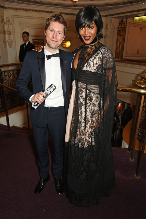 CHRISTOPHER BAILEY & NAOMI CAMPBELL in Burberry GETTY