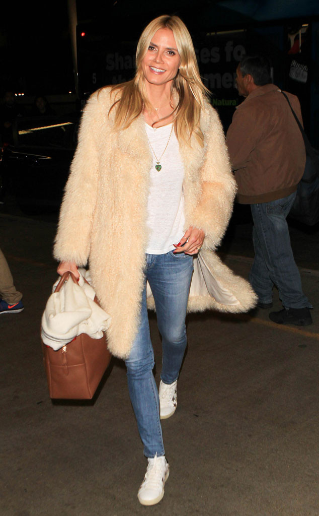 Heidi Klum was airport ready at LAX n Los Angeles.