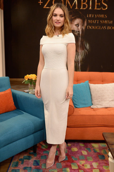 19 January The British actress wore a figure-hugging cream dress and nude courts to film an appearance on US television show  Despierta América .