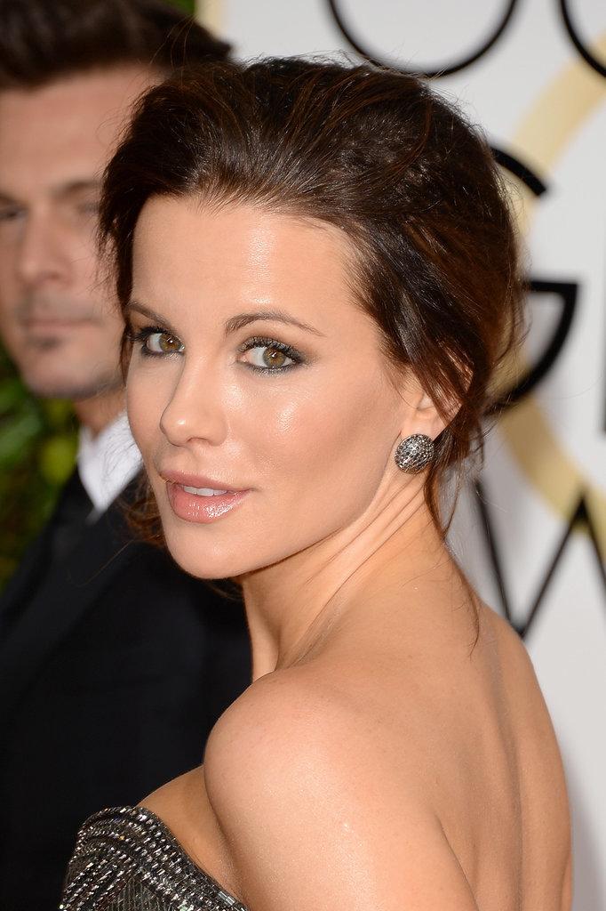 Kate-Beckinsale-smoky-eye-nude-lip-up-do-combination.jpg