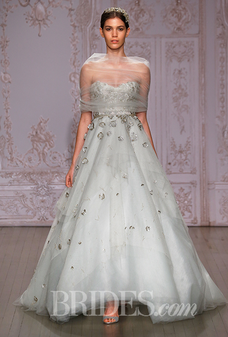 monique-lhuillier-wedding-dresses-fall-2015-006.jpg