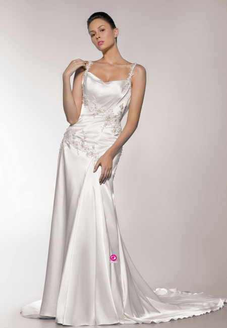 a540af6e75db1 It s a common versatile and durable bridal fabric that suits structured  gowns. Satin is suitable for every body type and suitable for ball gown  styles.