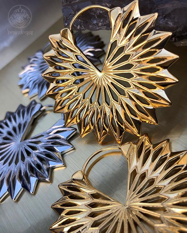 ⚡️Tether Jewelry⚡️ . . . @tetherjewelry #braindrops #braindropssf #braindropsfamily #braindropslovesyou #tether #tetherjewelry #sanfrancisco #haightstreet #california #legitbofyjewelry #qualitybofyjewelry #beautifulbodyjewelry #piercing #earrings #hangingdesigns #sf #warriors #dubnation