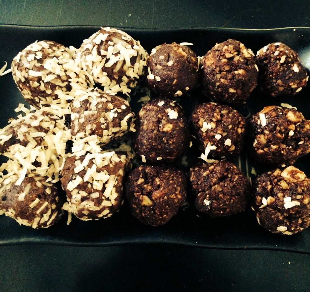 Great Balls of Dates & Raw Superfood Balls