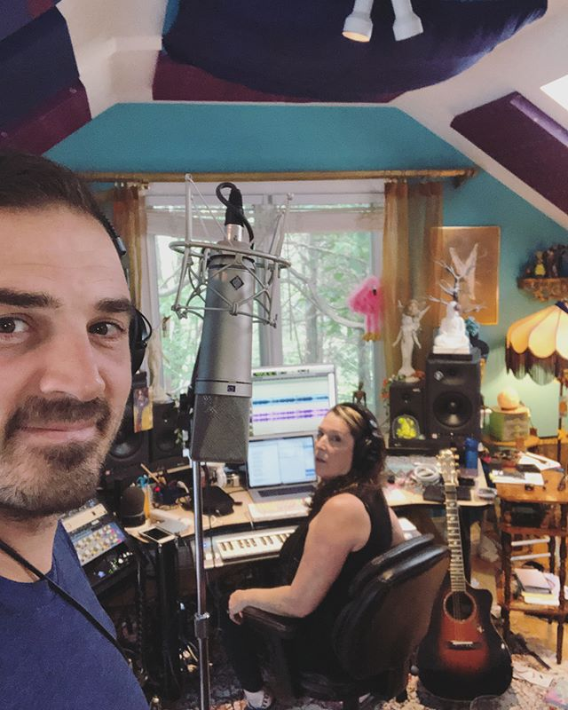 Spent my Saturday morning with the incomparable singer-songwriter @beth_nielsen_chapman laying down a tune she, @wa_the_world_needs_now and I wrote. It's a good one! Walking into her studio was like walking into the brain of a genius.