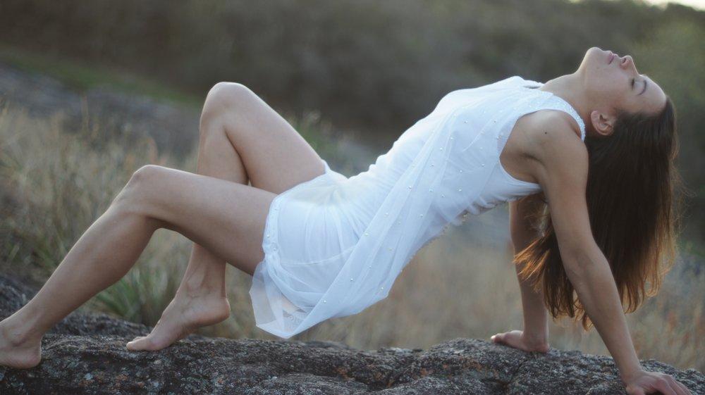 women-sexy-outdoors-girl-48843.jpg