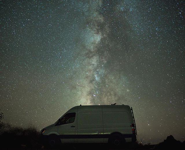 Vanning under the stars in Big Sur ⭐️🌟✨💫🌠 Sky was on fire 🔥 #sprinter #bigsur #milkyway