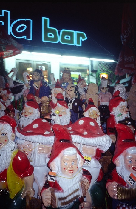 CROWD OF ANGRY GNOMES