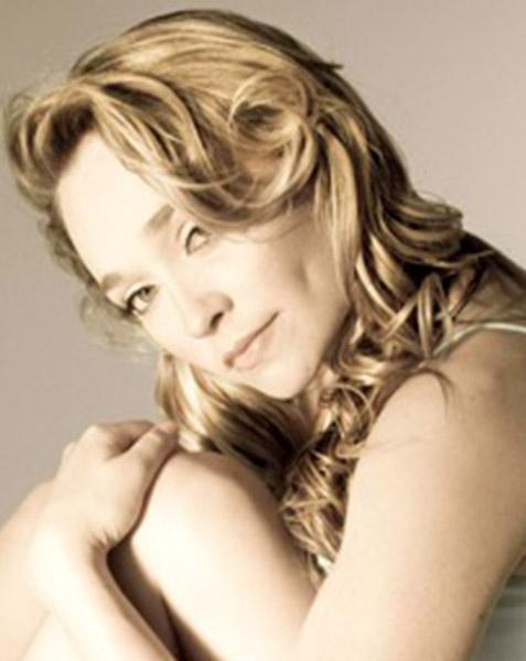 Lara Lever