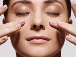 Facial massage promotes strengthening of facial muscles.