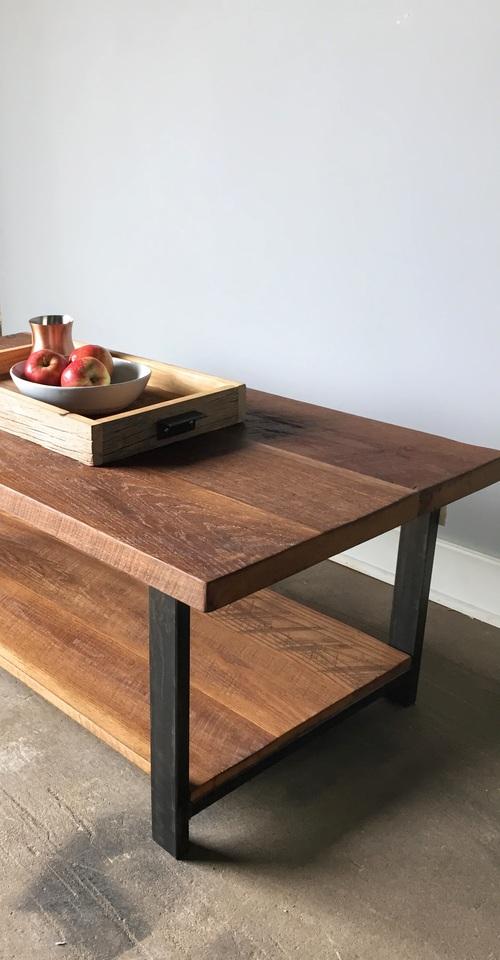 reclaimed wood oak coffee table / lower shelf / metal legs - what