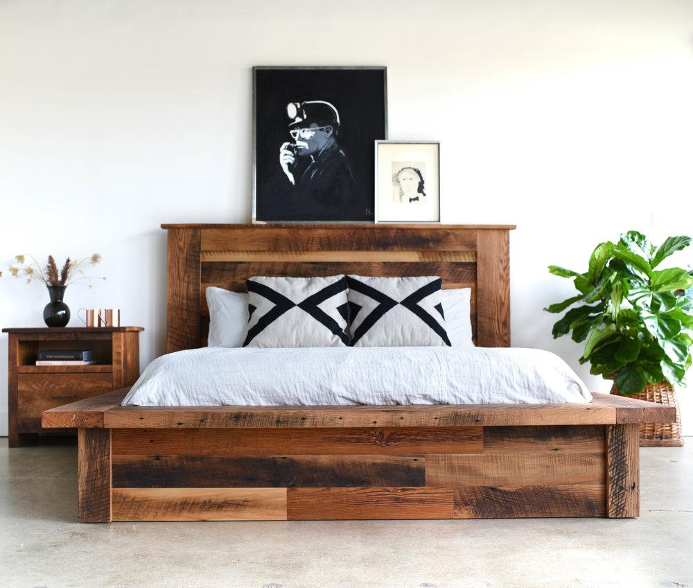 reclaimed wood platform bed what we make rh wwmake com reclaimed wood bedroom furniture sets reclaimed barn wood bedroom furniture