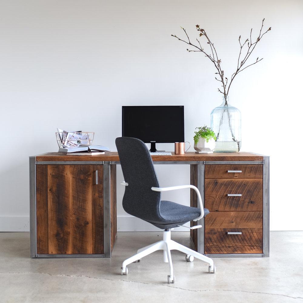 Good Industrial Modern Desk / 3 Drawer + 1 Door