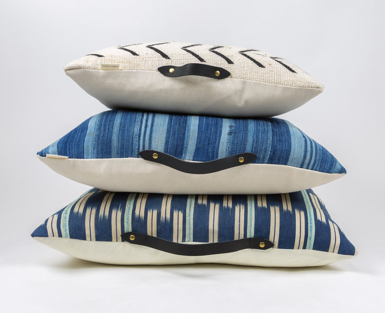 11. STACKING FLOOR PILLOWS